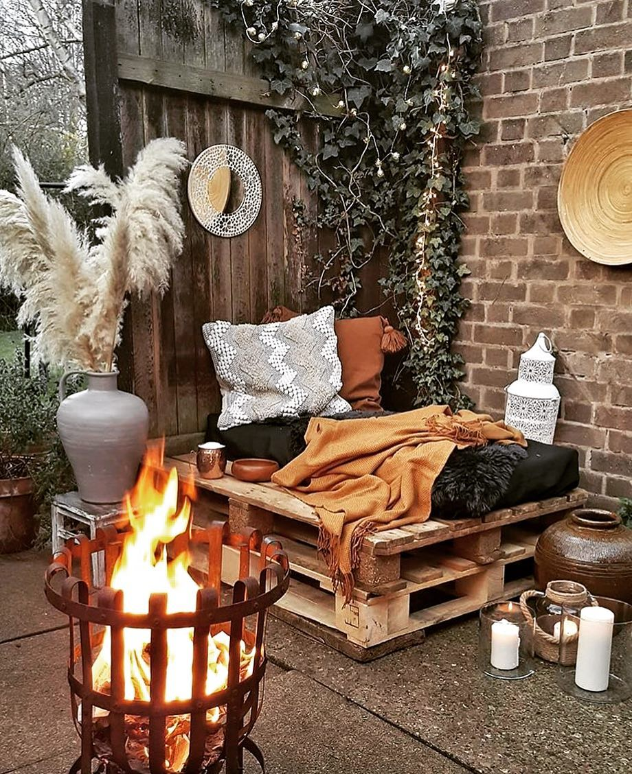 20-living-decorating-ideas-for-small-balcony-2019